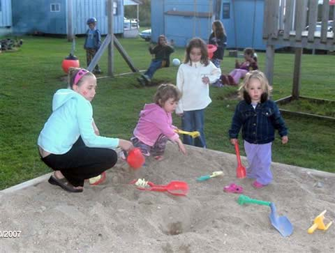 Lake Breeze Campground & Cottages playground