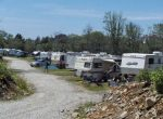 Lake Breeze Campground & Cottages rv's