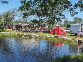 Lake Breeze Campground - tents and Rv's